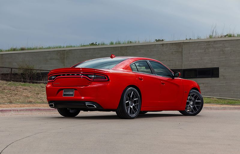 2015 dodge charger r t a new race experience with great performance. Black Bedroom Furniture Sets. Home Design Ideas