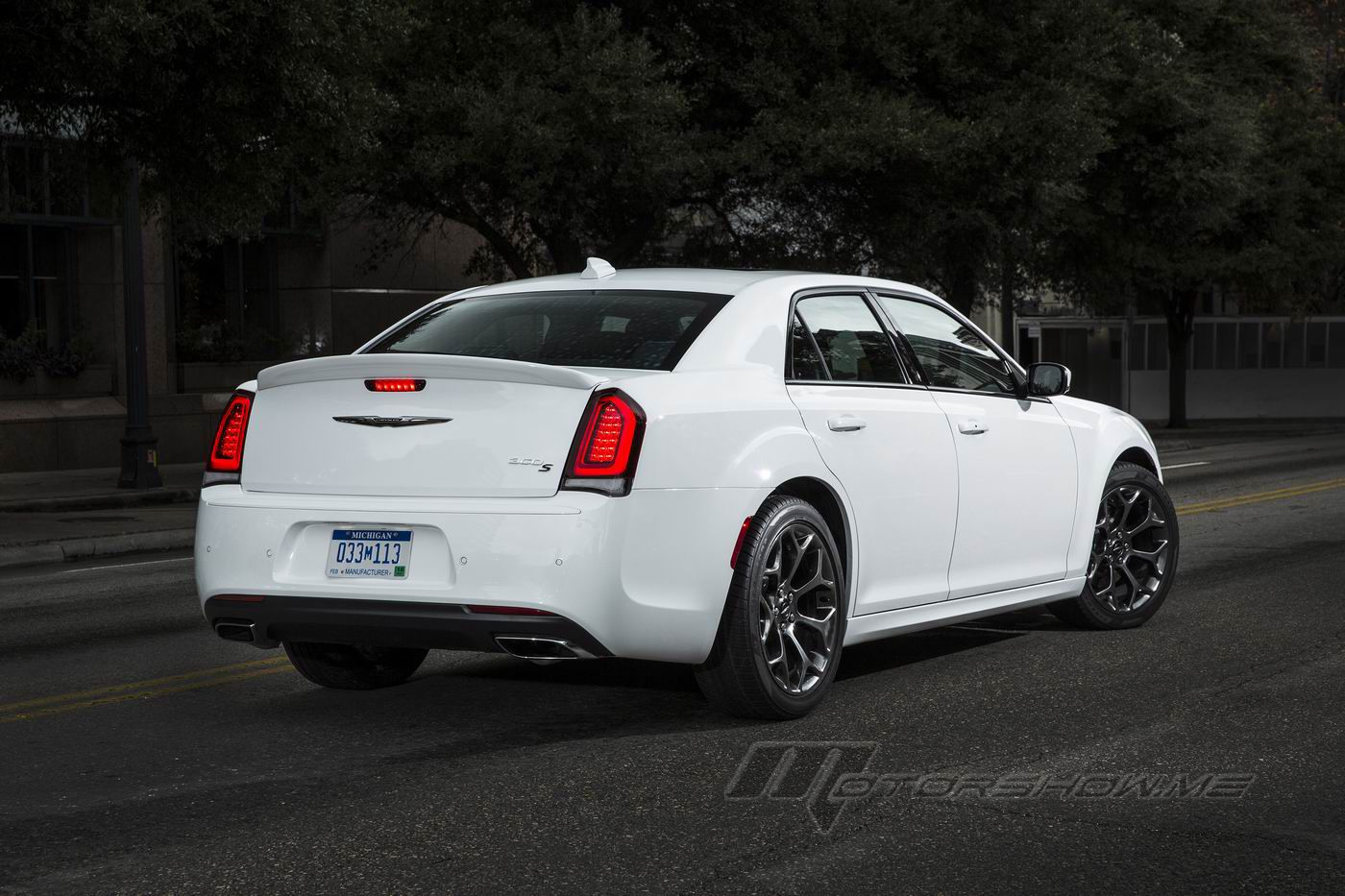 2016 chrysler 300s more performance athletically styled. Black Bedroom Furniture Sets. Home Design Ideas