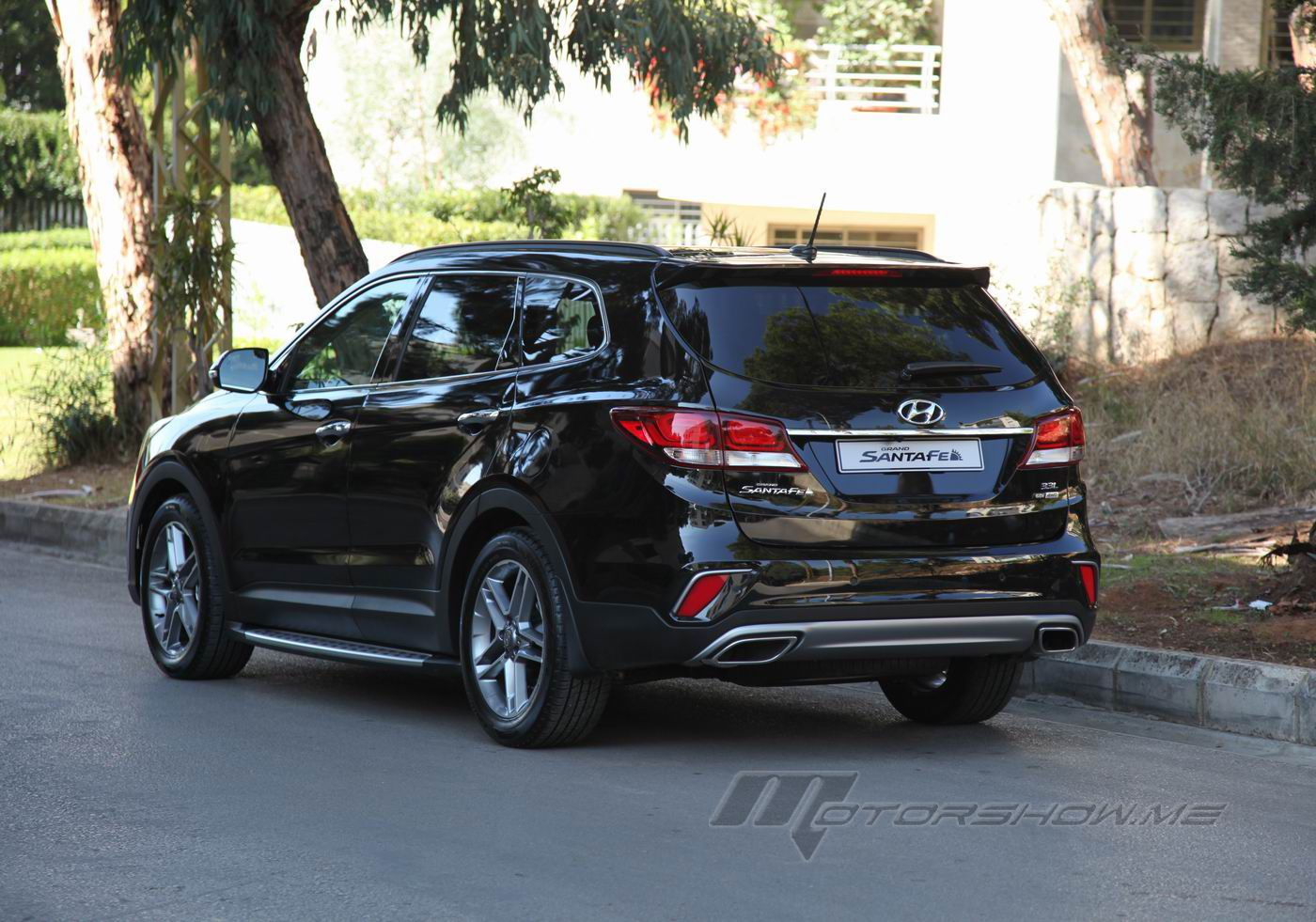 2017 hyundai grand santafe dynamic driving experience for every road. Black Bedroom Furniture Sets. Home Design Ideas