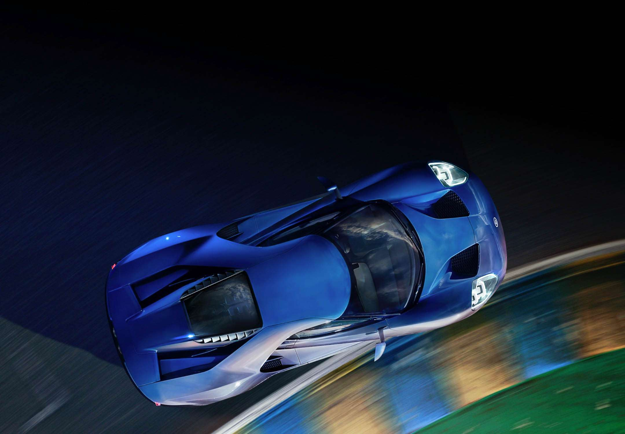The Production Ford Gt Shares A Great Deal With The High Performance Track Version With Advanced Aero And Suspension Features Added That Take It To Another