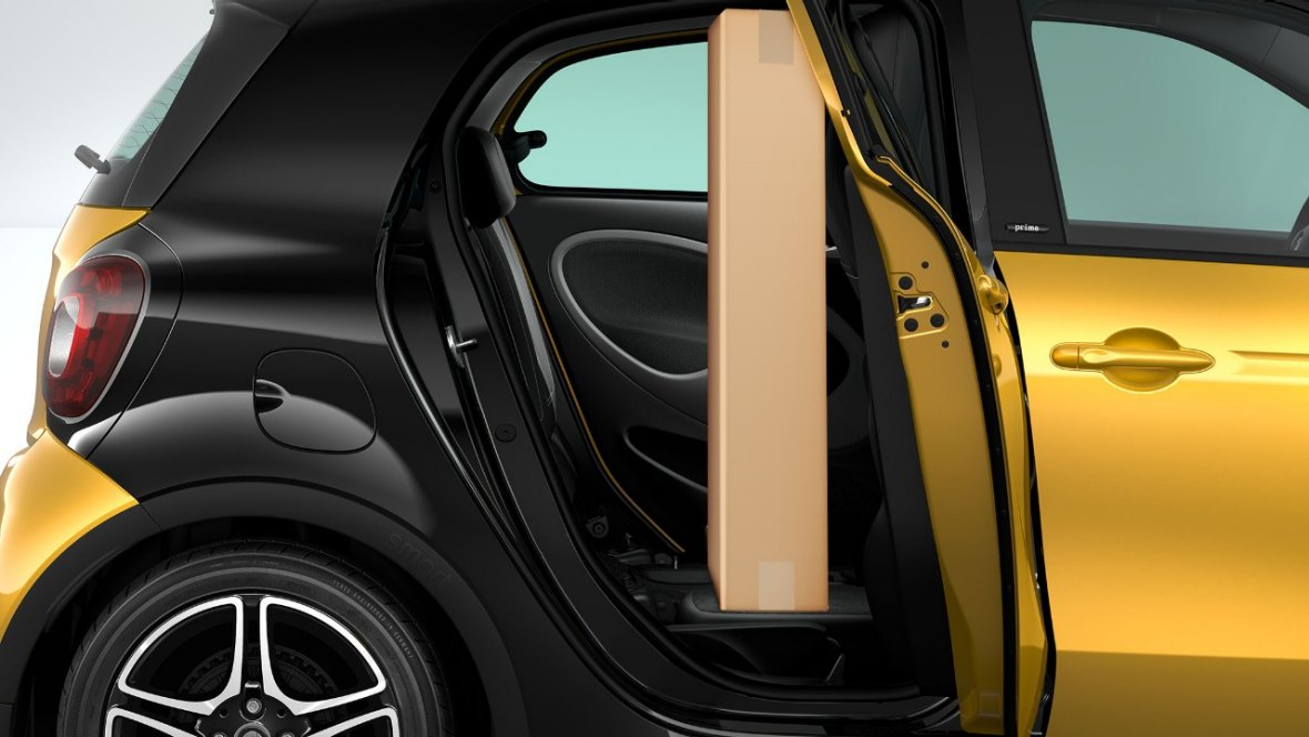 enjoy a drive around the city with smart forfour. Black Bedroom Furniture Sets. Home Design Ideas