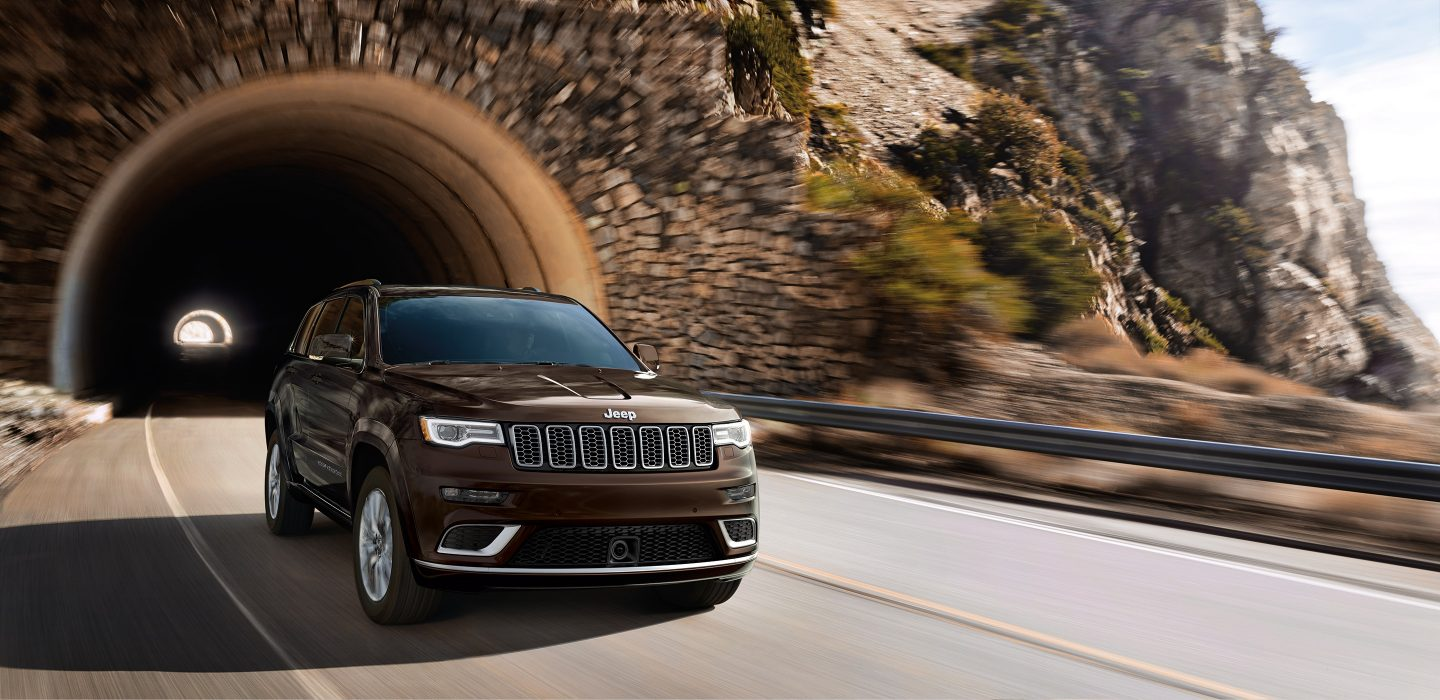 Jeep grand cherokee earns 4 star emissions rating in japan fuel saving engine stop start ess lends additional appeal to the grand cherokee the most awarded suv of all time ess reduces fuel consumption by publicscrutiny Choice Image