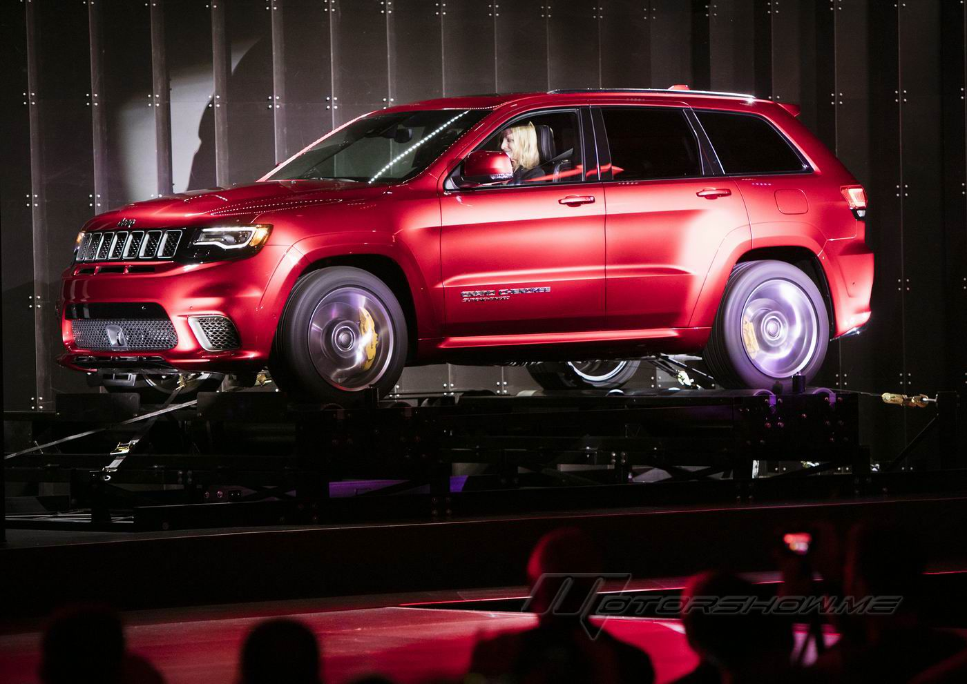 2018 Grand Cherokee Trackhawk: The Most Powerful SUV Ever 707 HP