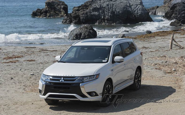 2018 Mitsubishi Outlander PHEV: Performance and Efficiency