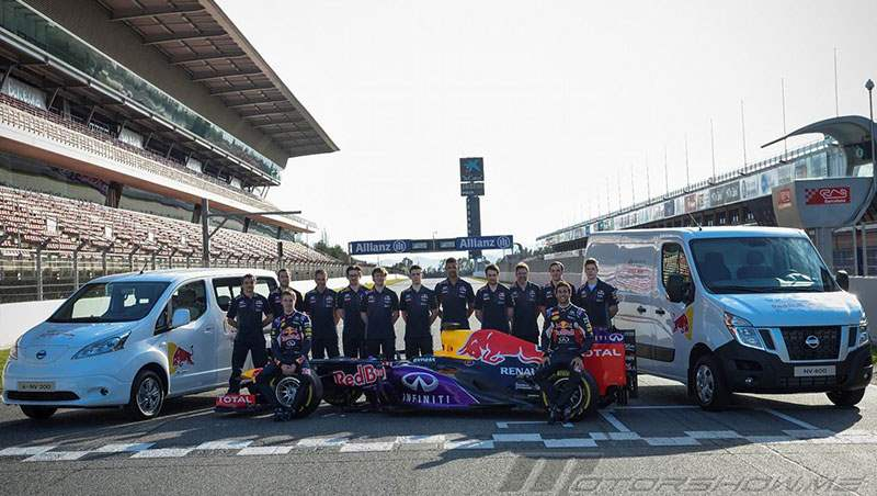 2015 Nissan Supports Infiniti s RBR team