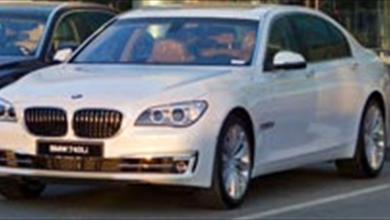 2013 BMW 7 Series at Dubai government Events