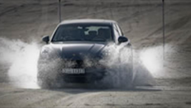 2014 Macan S and Macan Turbo test by MotorShow