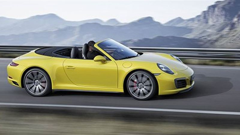 2016 Porsche 911 Carrera 4 and 911 Targa 4
