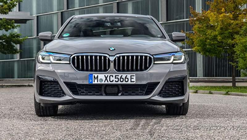 2021 BMW 545e xDrive Saloon