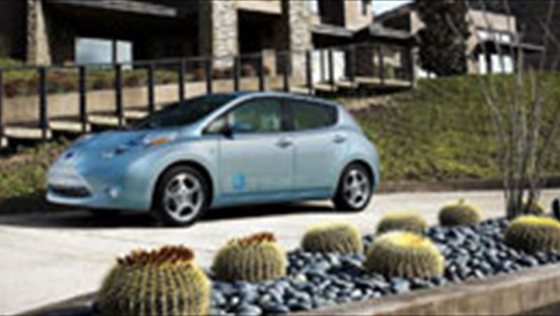 2010 Nissan invite 500 people to experience 100% electric LEAF