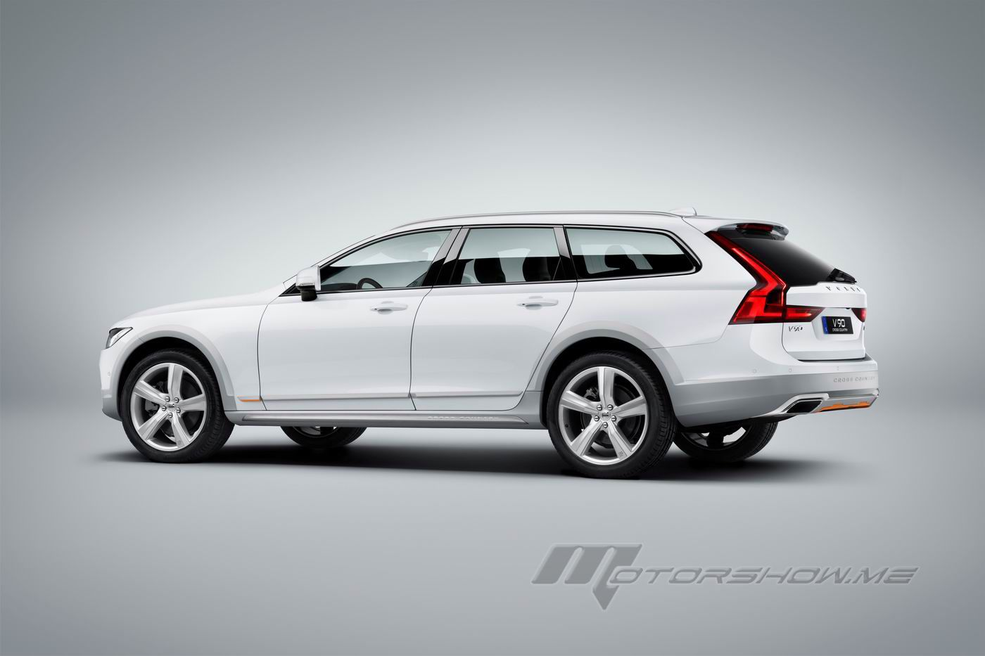 photo chicago a live blue volvo wagon in polestar is news