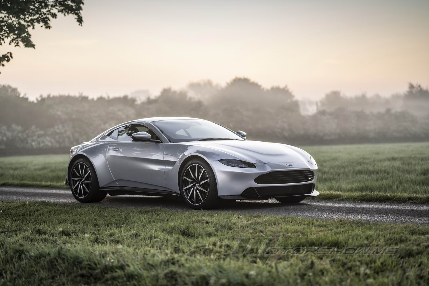 Photos By Motorshow Cars Revenant 2021 Aston Martin Vantage