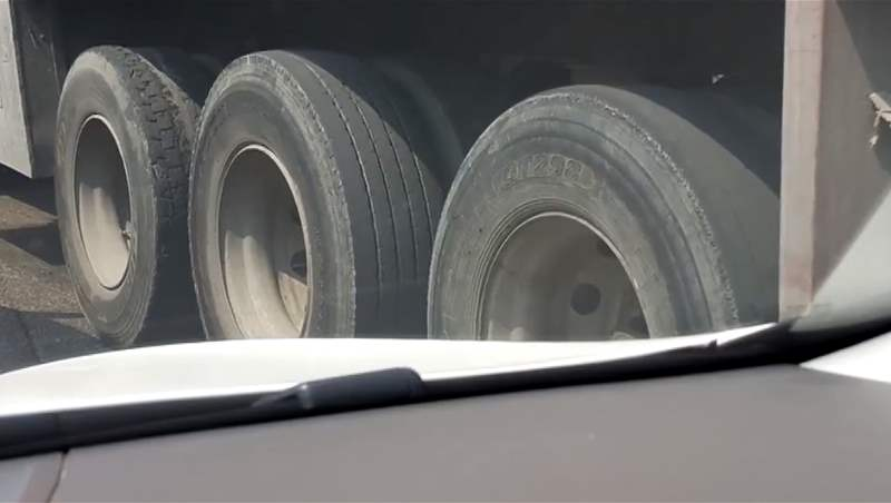 Truck Tires without Thread